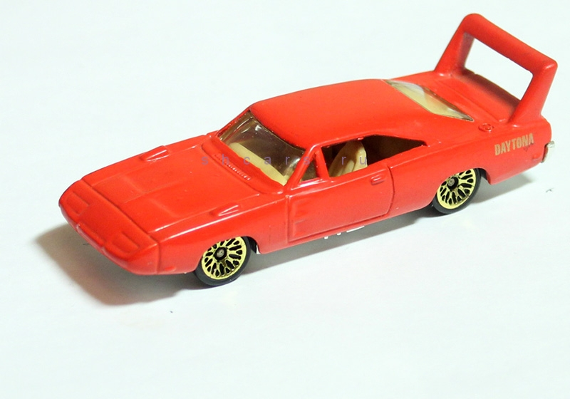 hotwheels DODGE Charger daytona
