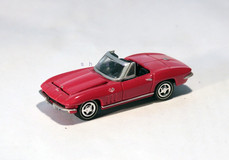 JOHNNYLIGHTNING CHEVROLET Corvette