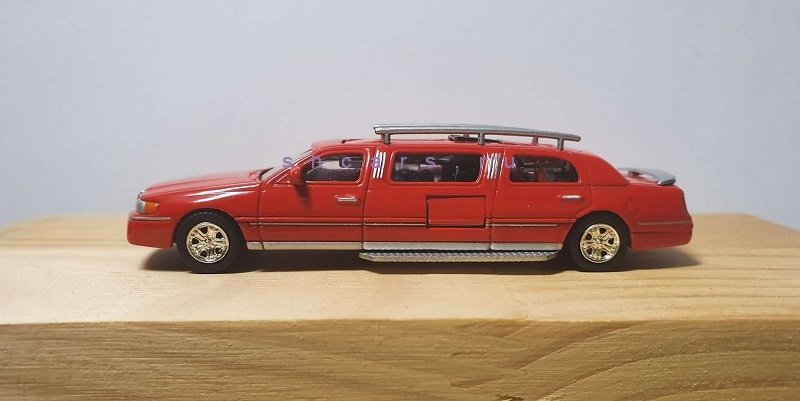 LINCOLN TOWNCAR FIRE TRUCK LIMO